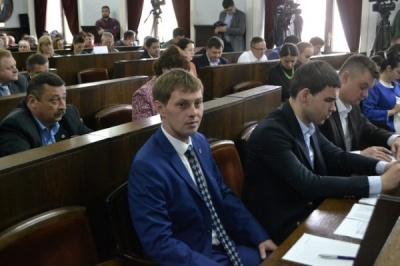 Черновицкий горсовет решил пригласить руководство полиции на сессию и объявил перерыв