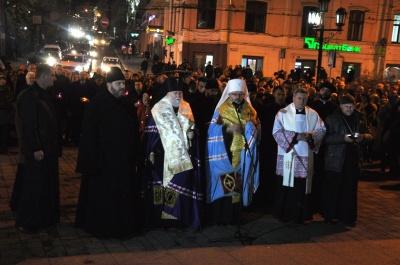 В Черновцах состоялось вече по случаю четвертой годовщины Революции Достоинства (ФОТО)