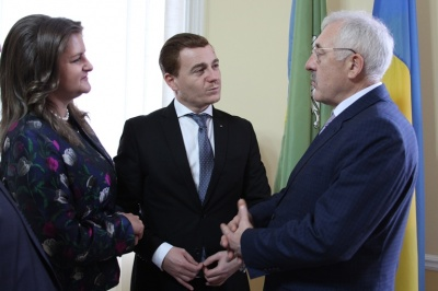 Майже 14 тисяч учнів на Буковині навчаються румунською