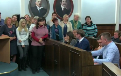 «Нам плюнули в душу»: группа учителей лицея №4 Черновцов возмутилась из-за заявлений депутатов о «секс-скандале»