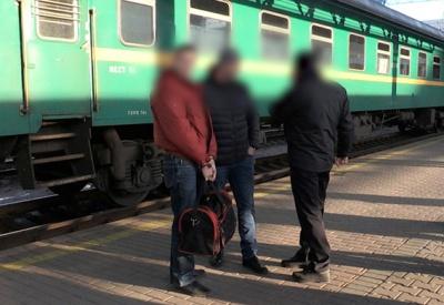 """На Київщині затримали групу """"чорних трансплантологів"""" які вербували неповнолітніх"""