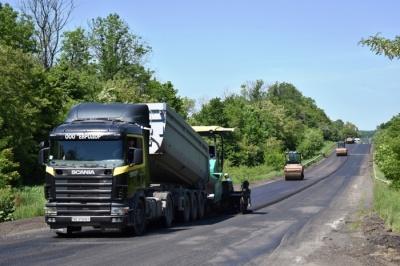 У ремонт доріг на Буковині вже вклали майже півмільярда