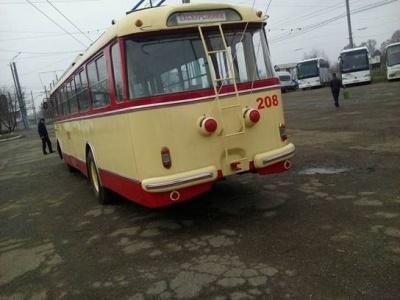 У Чернівцях відновили 40-річний тролейбус з пробігом 1,4 мільйона кілометрів (ФОТО)