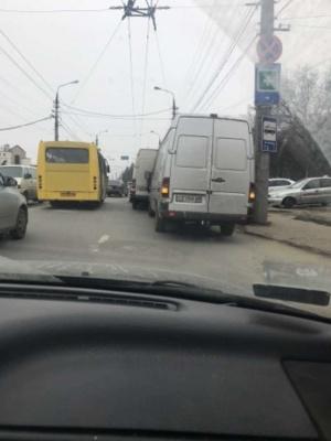 У Чернівцях на Руській - ДТП за участю трьох авто: ускладнено рух транспорту (ФОТО)