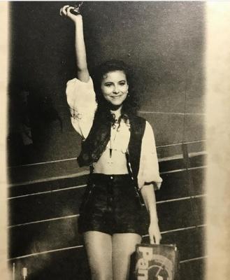 Ані Лорак показала, як виглядала у 15 років