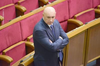 Чотирьох нардепів з Буковини назвали найменш публічними депутатами Ради