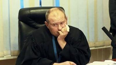 Суддю-хабарника Чауса звільнили за прогули