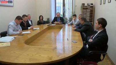 Лічильна комісія визначила, що голосувати в бюлетені за секретаря Чернівецької міськради можна будь-якою позначкою