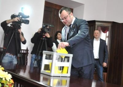 Мер Чернівців заявив про порушення при голосуванні за секретаря: «6 депутатів не мають права приймати рішення»