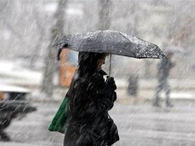 У неділю опади прогнозують майже по всій Україні