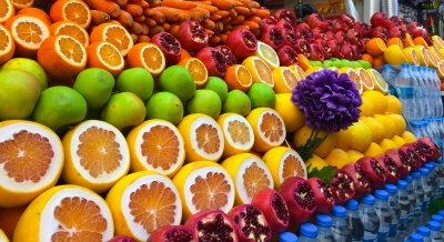 Екзотичні фрукти в Чернівцях – від 30 до 70 гривень за штуку