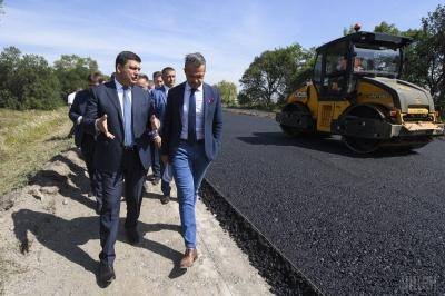 Гройсман пообіцяв ремонт дороги «Чернівці - Київ» у 2018 році