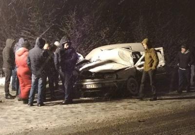 У Чернівецькій області зіткнулися два легковики: один з водіїв загинув (ФОТО)