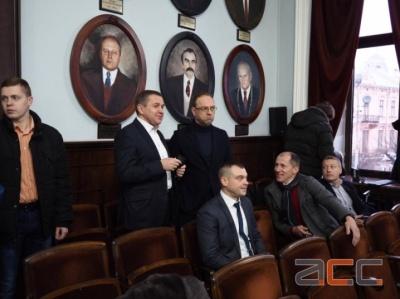 «Це була точно не найгірша сесія»: нардеп Власенко поділився враженнями від відвідин Чернівецької міськради