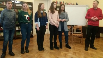 У Чернівцях студенти й школярі обговорювали тему корупції на форумі-театрі