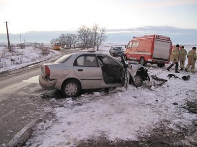 У поліції повідомили деталі трагічної ДТП у Чернівецькій області