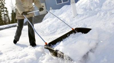 У мерії Чернівців нагадали, що приватні фірми мають прибирати від снігу закріплені за ними території