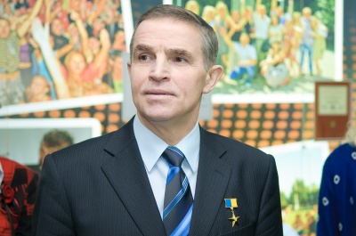 Голова Чернівецької ОДА привітав Леоніда Каденюка з 20-річчям завершення польоту на космічному кораблі