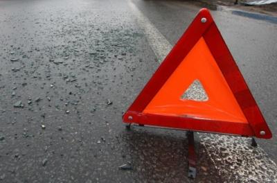 На Буковине легковушка сбила 17-летнего пешехода: юношу госпитализировали