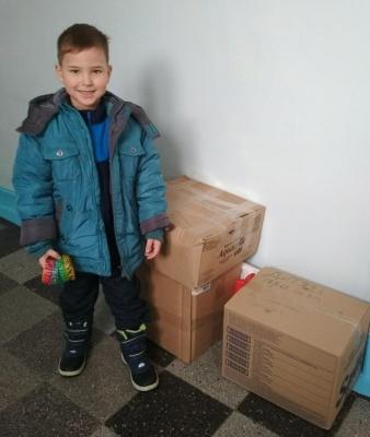 «Хай з моїм ведмедиком засинає й інша дитинка»: п'ятирічний чернівчанин поділився улюбленими іграшками з однолітками зі Сходу