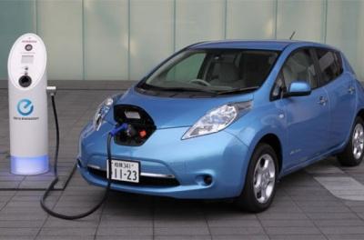 Рада лише на рік скасувала ПДВ та акциз на імпорт електромобілів