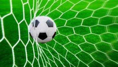 У футбольній прем'єр-лізі — цьогорічні заключні матчі