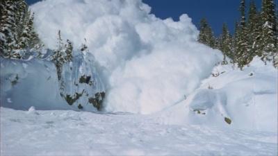 Рятувальники попереджають про значну лавинну небезпеку у Карпатах