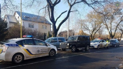 В Ужгороді патрульні врятували чоловіка від викрадення: фото