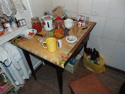 Застілля у Чернівцях завершилося трагічно: жінка зарізала співмешканця