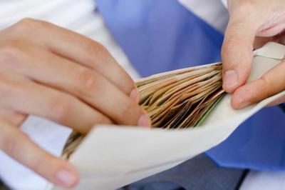 Губернаторам і головам РДА підвищили зарплати