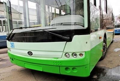 Чернівці мають намір купити 4 нові тролейбуси з автономним ходом