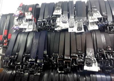 У Чернівцях поліція виявила підпільні цехи з пошиття ременів з логотипами світових брендів