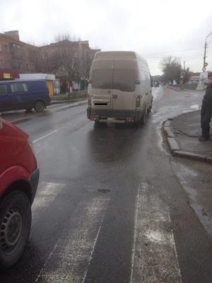 На Миколаївщині водій з Чернівців на «зебрі» збив пенсіонерку