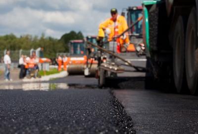 """""""Укравтодор"""" похвалився рекордними ремонтами доріг"""