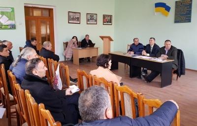 Троє депутатів на Буковині відмовилися від мандатів райради на користь ОТГ