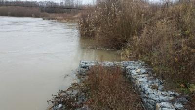 У Західній Україні - підйом води у річках, у Карпатах - загроза лавин
