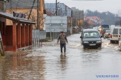 У Закарпатті з підтоплених будинків евакуювали 150 людей