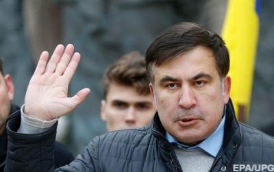 Саакашвілі посварився з поліцейським, що заважав йому встановлювати сцену в центрі Києва