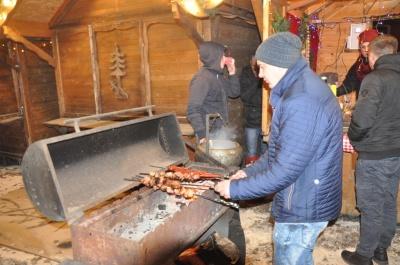 У Чернівцях відкрили свята - запалили головну ялинку