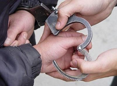 Двоє чернівчан напали на поліцейських – дебоширів заспокоювали спецзасобами