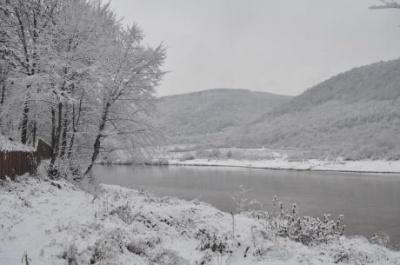 На Буковині - снігопади і ожеледиця на дорогах