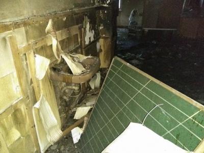 У чернівецькій школі, де сталася пожежа, повністю вигорів клас і коридор (ФОТО)