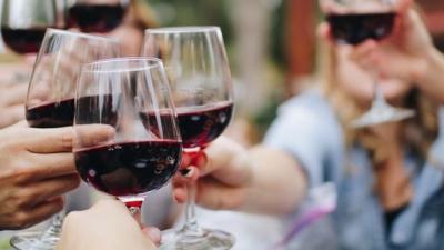 Як пити алкоголь і не набирати зайву вагу: поради