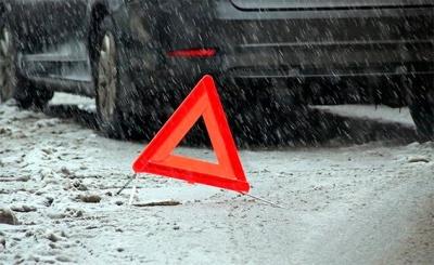 На Буковині посеред дороги перекинувся «Форд» на єврономерах, одну особу травмовано