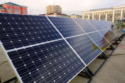 У Чернівцях в одній із шкіл планують опалювати басейн за допомогою сонячних батарей