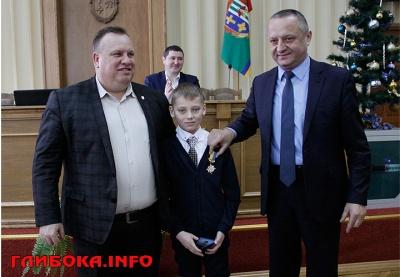 На Буковині 12-річний хлопчик врятував дітей від ураження струмом