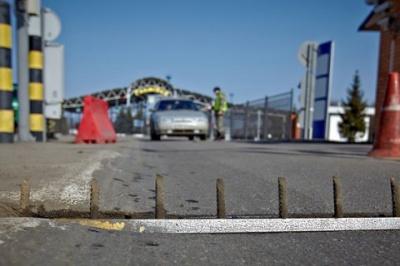 На кордоні з Росією працюватимуть мобільні комплекси біометричного контролю