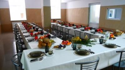 У Львові організували святковий обід для безхатченків