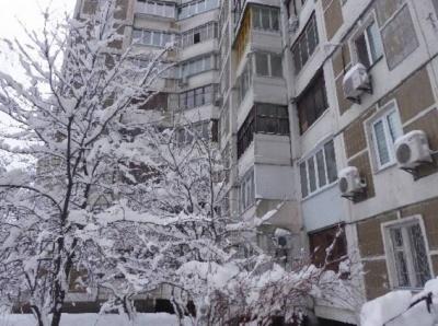 У Києві чоловік вижив після стрибка з 7 поверху
