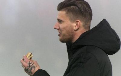 Футболіста нідерландського клубу оштрафували за з'їдений в перерві матчу бургер